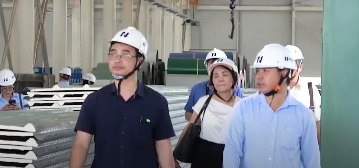 Đoàn Công tác Bộ Xây dựng khảo sát nhà máy Phương Nam